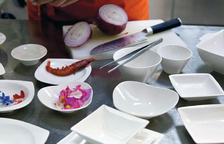 tavola piattini scodelle